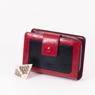 КОД : 39B Дамски портфейл от плътна и висококачествена еко кожа в червен цвят