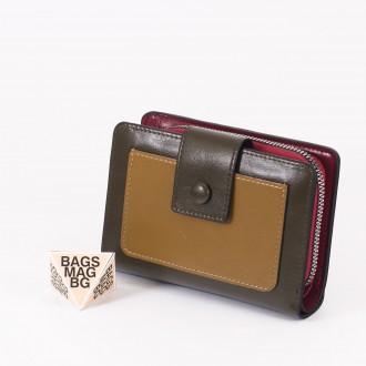 КОД : 39B Дамски портфейл от плътна и висококачествена еко кожа в маслено зелен цвят