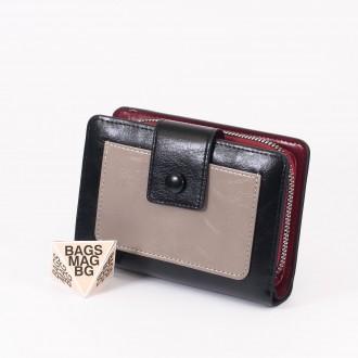 КОД : 39B Дамски портфейл от плътна и висококачествена еко кожа в черен цвят