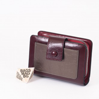 КОД : 39B Дамски портфейл от плътна и висококачествена еко кожа в цвят бордо