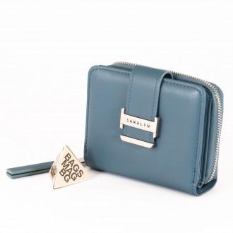 КОД : 580 Дамски портфейл от плътна и висококачествена еко кожа в син цвят
