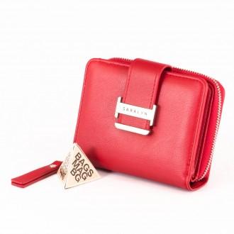 КОД : 580 Дамски портфейл от плътна и висококачествена еко кожа в червен цвят