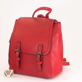 КОД: 6333 Мини дамска раница от плътна и висококачествена еко кожа в червен цвят
