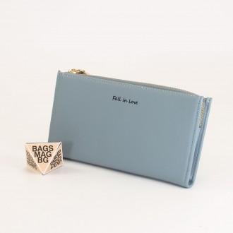 КОД : 7095 Дамски портфейл от плътна и висококачествена еко кожа в син цвят