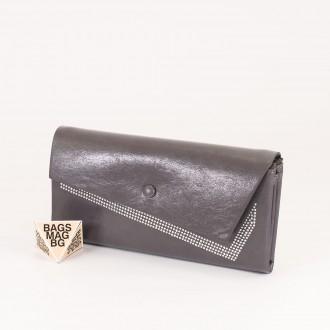 КОД : 74118 Дамски портфейл от плътна и висококачествена еко кожа в сив цвят