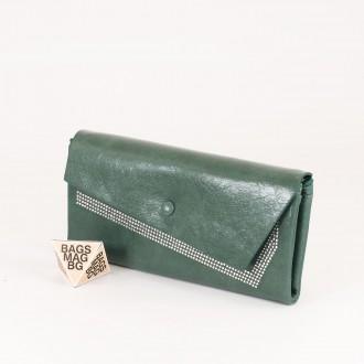 КОД : 74118 Дамски портфейл от плътна и висококачествена еко кожа в зелен цвят