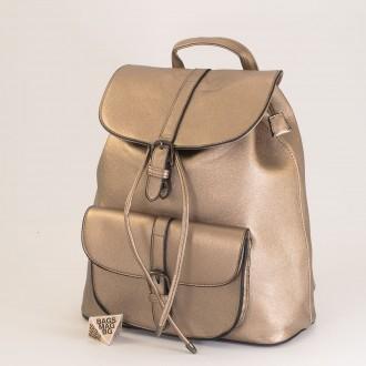 КОД: 760 Дамска раница от плътна и висококачествена еко кожа в цвят злато