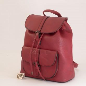 КОД: 760 Дамска раница от плътна и висококачествена еко кожа в червен цвят