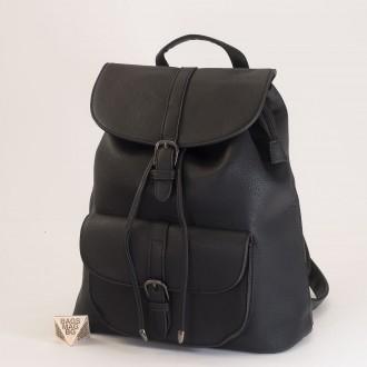 КОД: 760 Дамска раница от плътна и висококачествена еко кожа в черен цвят