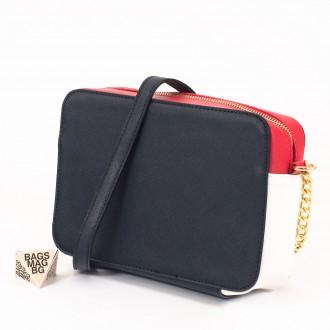 КОД: 8004 Малка дамска чанта от плътна и висококачествена еко кожа в син цвят - трицветна