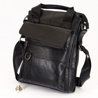 КОД : 8039 Мъжка чанта от естествена кожа в черен цвят