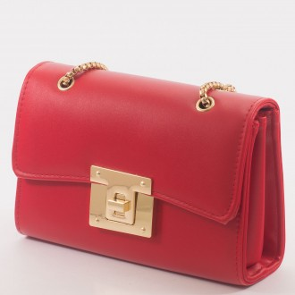 КОД : 8060 Дамска чанта от плътна и висококачествена еко кожа в червен цвят