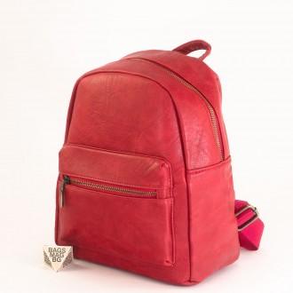 КОД: 8083 Дамска раница от плътна и висококачествена еко кожа в червен цвят