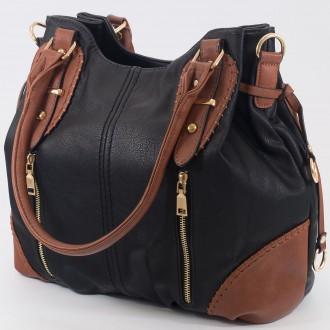 КОД: 9885 Дамска чанта от плътна и висококачествена еко кожа в черен цвят