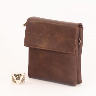 КОД: A19 Мъжка чанта от плътна и висококачествена еко кожа в цвят кафе