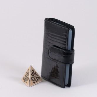 КОД : AE21 Дамски визитник от естествена кожа и лаково покритие в черен цвят