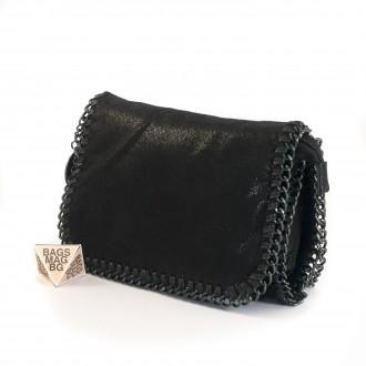 КОД: D617 Малка дамска чанта от еко велур в черен цвят