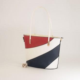 КОД: F1073 Дамска чанта от плътна и висококачествена еко кожа в бял цвят