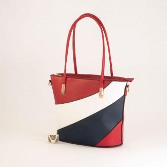 КОД: F1073 Дамска чанта от плътна и висококачествена еко кожа в червен цвят