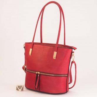 КОД: F1075 Дамска чанта от плътна и висококачествена еко кожа в червен цвят