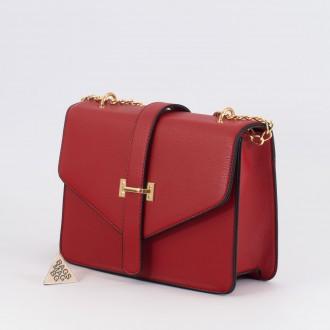 КОД : H399 Дамска чанта от плътна и висококачествена еко кожа в червен цвят