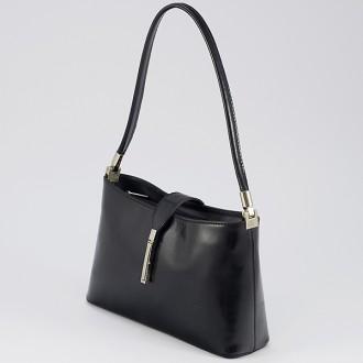 КОД : 0041 Малка дамска чанта от естествена кожа в черен цвят