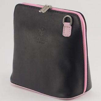 КОД: 0018 Малка дамска чанта от естествена кожа в цвят черно с розово