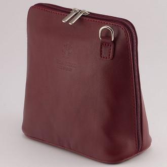 КОД : 0018 Малка дамска чанта от естествена кожа в тъмночервен цвят
