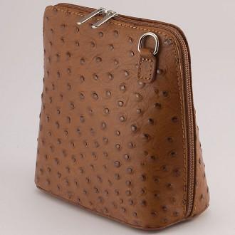 КОД : 0018 Малка дамска чанта от естествена кожа в светлокафяв цвят с щраус щампа