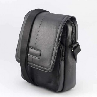 КОД : 3071 Мъжка чанта от естествена кожа в черен цвят
