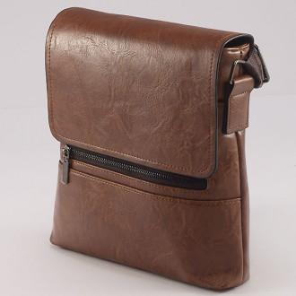 КОД: 9808  Мъжка чанта от плътна и висококачествена еко кожа в кафяв цвят