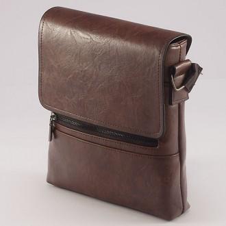 КОД: 9808  Мъжка чанта от плътна и висококачествена еко кожа в тъмнокафяв цвят