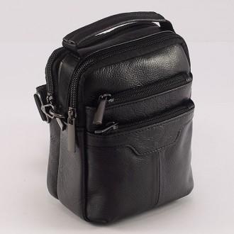 КОД : 335 Мъжка чанта от естествена кожа в черен цвят