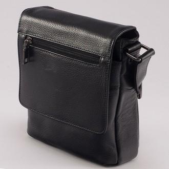 КОД: 509 Мъжка чанта от естествена кожа в черен цвят