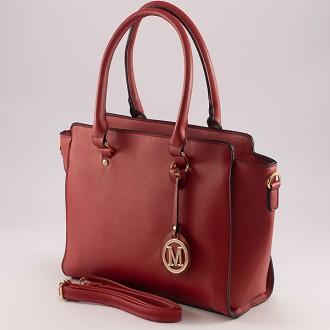 КОД: 9037 Дамска чанта от плътна и висококачествена еко кожа в червен цвят