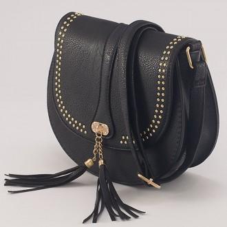 КОД: X904 Малка дамска чанта от плътна и висококачествена еко кожа в черен цвят