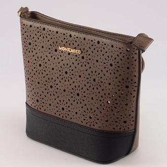 КОД : 6052 Дамска чанта от плътна и висококачествена еко кожа в цвят каки