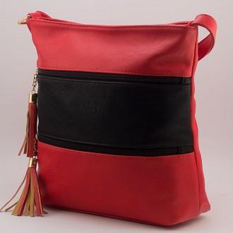 КОД: 8304 Дамска чанта от плътна и висококачествена еко кожа в червен цвят