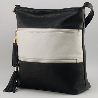 КОД: 8304 Дамска чанта от плътна и висококачествена еко кожа в черен/бял цвят