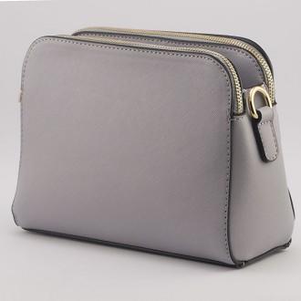 КОД: K335  Малка дамска чанта от плътна и висококачествена еко кожа в сив цвят