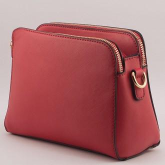 КОД: K335  Малка дамска чанта от плътна и висококачествена еко кожа в червен цвят