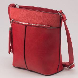 КОД: W813 Дамска чанта от плътна и висококачествена еко кожа в червен цвят