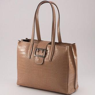 КОД: 0125 Дамска чанта от естествена кожа с крокодилска щампа в цвят пудра