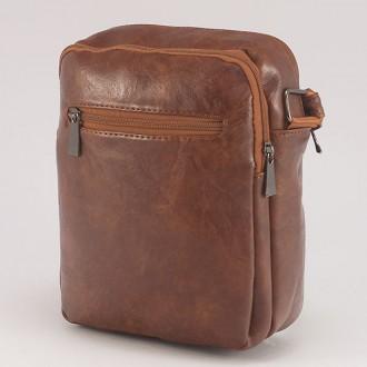 КОД : 0720 Мъжка чанта от плътна и висококачествена еко кожа в кафяв цвят