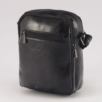 КОД : 0720 Мъжка чанта от плътна и висококачествена еко кожа в черен цвят