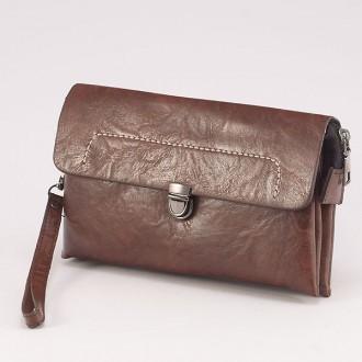 КОД : 0811 Мъжка чанта от плътна и висококачествена еко кожа в кафяв цвят