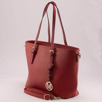 КОД: M866 Дамска чанта от плътна и висококачествена еко кожа в червен цвят