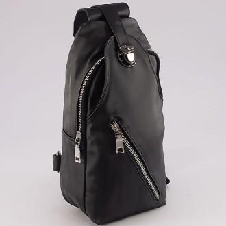 КОД: 3030  Чанта/раница от промазан плат в черен цвят