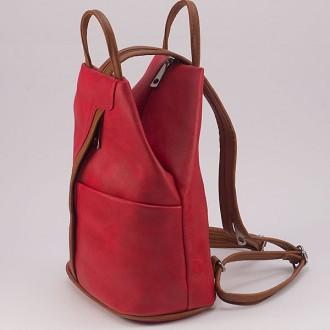 КОД: 3490 Дамска раница/чанта от плътна и висококачествена еко кожа в червен цвят