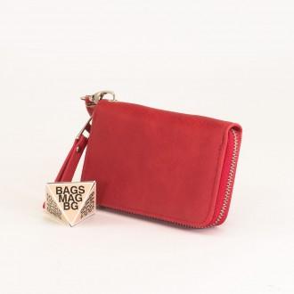 КОД : Y108 Дамски портфейл от плътна и висококачествена еко кожа в червен цвят